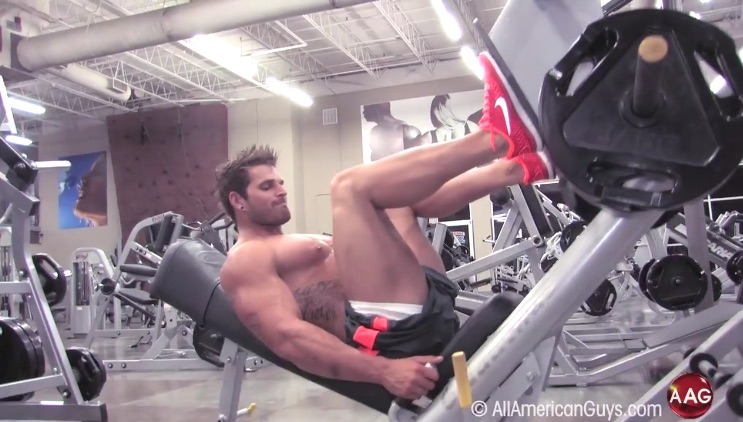 Fit & Sexy with Zack D.  Working out Legs
